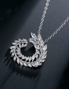 Colier Zirconia Diamonds Leaf