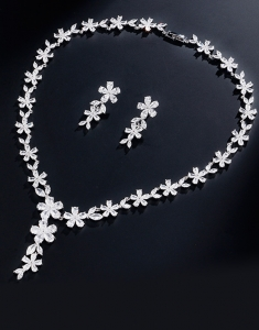 Set bijuterii Pure Flowers cu Swarovski Elements